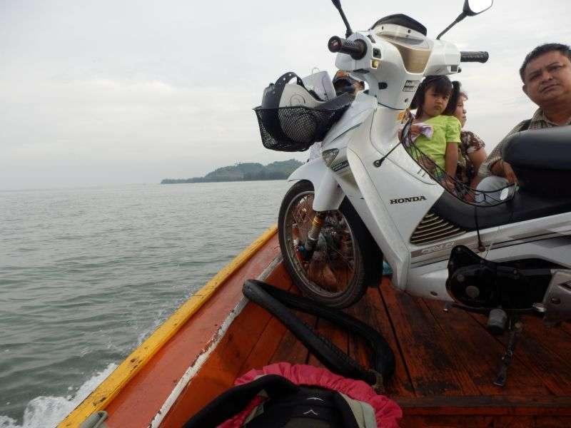 unterwegs mit dem voll beladenen Boot
